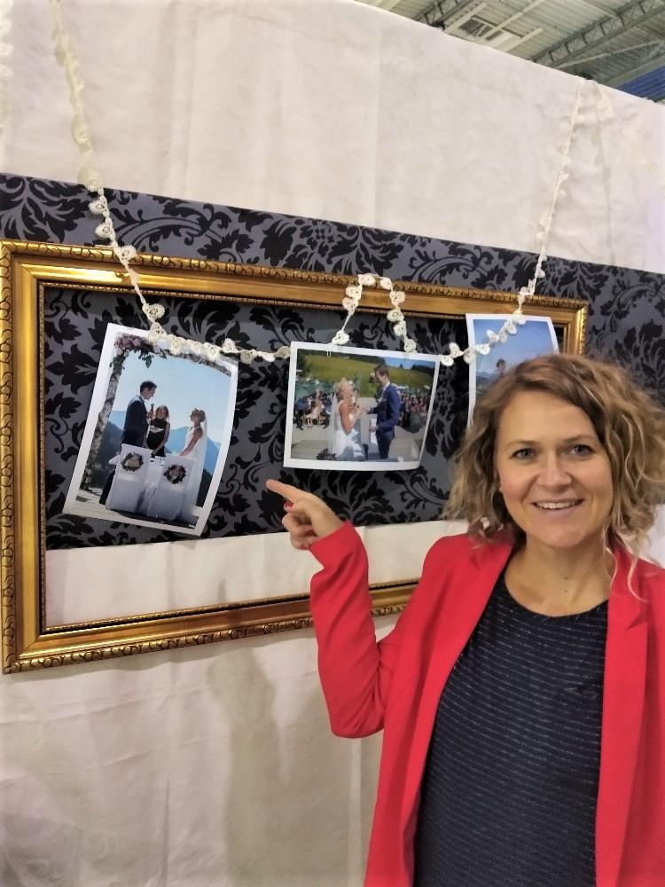 Messestand 2019: Bilder von freien Trauungen mit Rednerin Ingrid