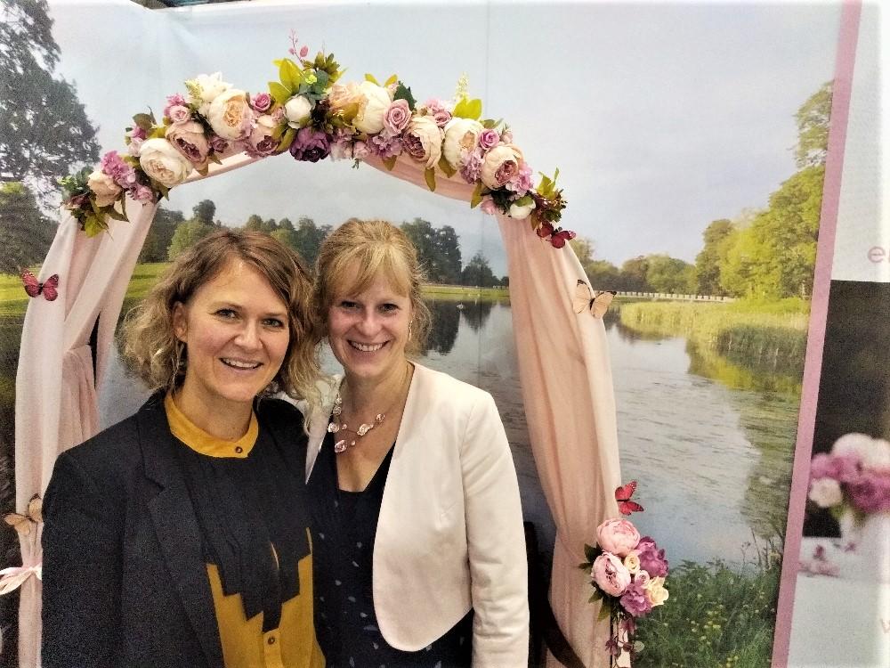 Rednerin Ingrid und Heike Koch-Barth