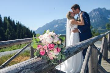 Brautpaar in den Alpen mit freiheiraten