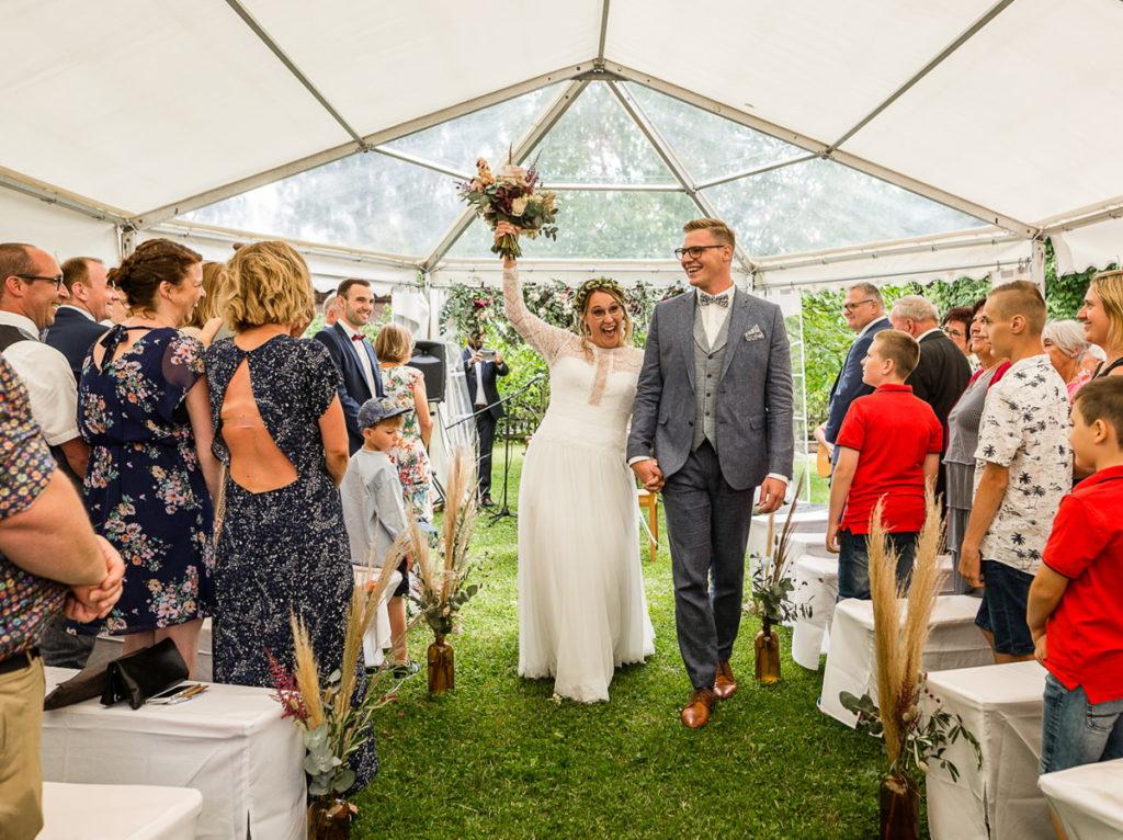 Auszug Brautpaar freie Trauung Grenzof Heidelberg